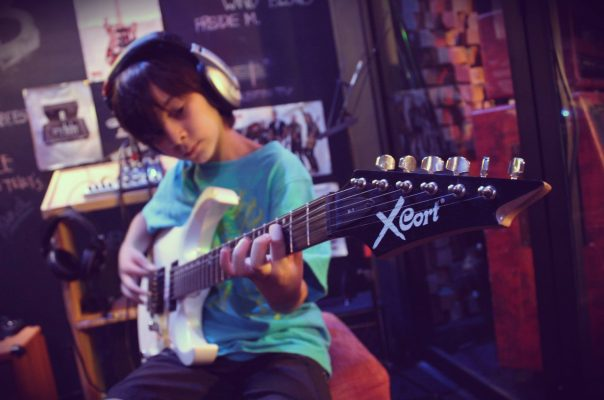 Crossroads Music Store - foto 5
