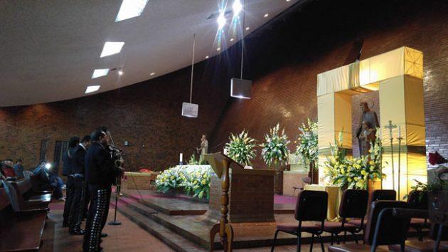 Iglesia María Auxiliadora / Parroquia San Juan Bosco - foto 3